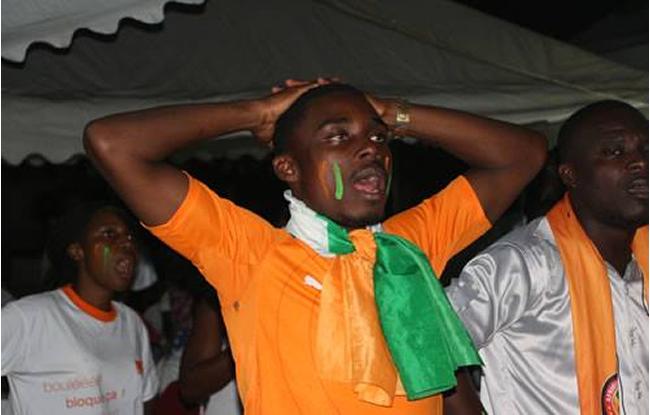 https://www.google.bj/search?q=d%C3%A9ception+des+supporters+ivoirien&biw=1366&bih=667&source=lnms&tbm=isch&sa=X&ei=wmrHVPTmJ8jvULn8gaAF&ved=0CAYQ_AUoAQ#imgdii=_&imgrc=1H12LT8zV_vLmM%253A%3BSXKLrWp5jfokXM%3Bhttp%253A%252F%252Fsport-ivoire.ci%252Fimages%252Factu%252F24-06-2014-22-09deception.png%3Bhttp%253A%252F%252Fsport-ivoire.ci%252Fbasketball%252Findex.php%253Fp%253D1%2526id%253D19898%3B650%3B415